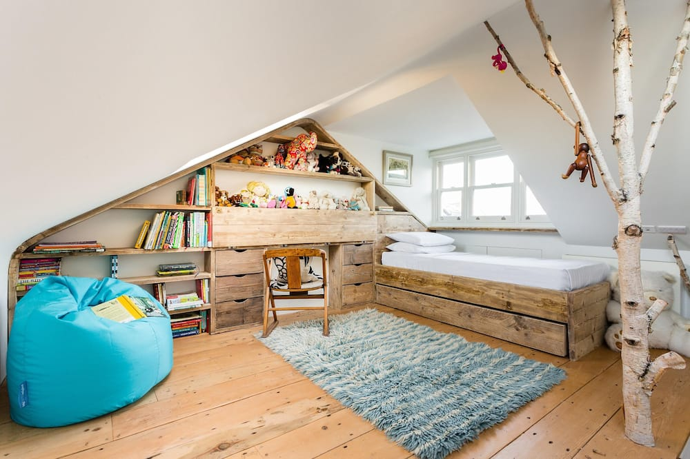 Apartamentai (4 Bedrooms) - Kambarys