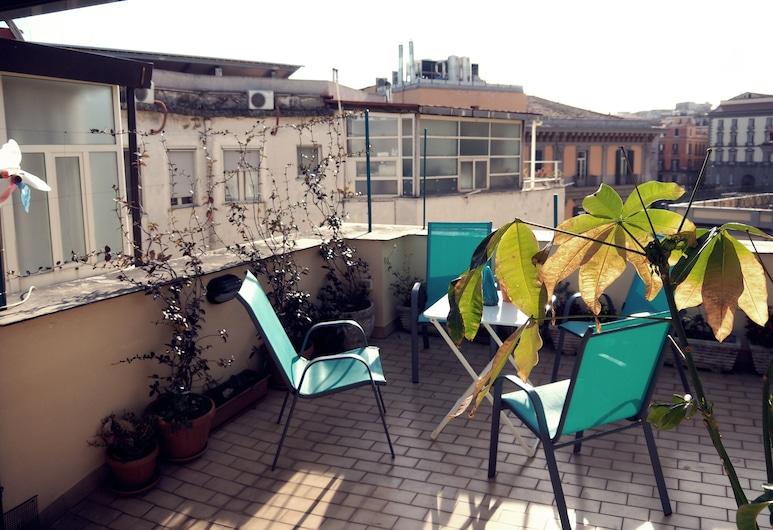 Calata San Marco , Napels, Appartement, 3 slaapkamers, 2 badkamers, Terras