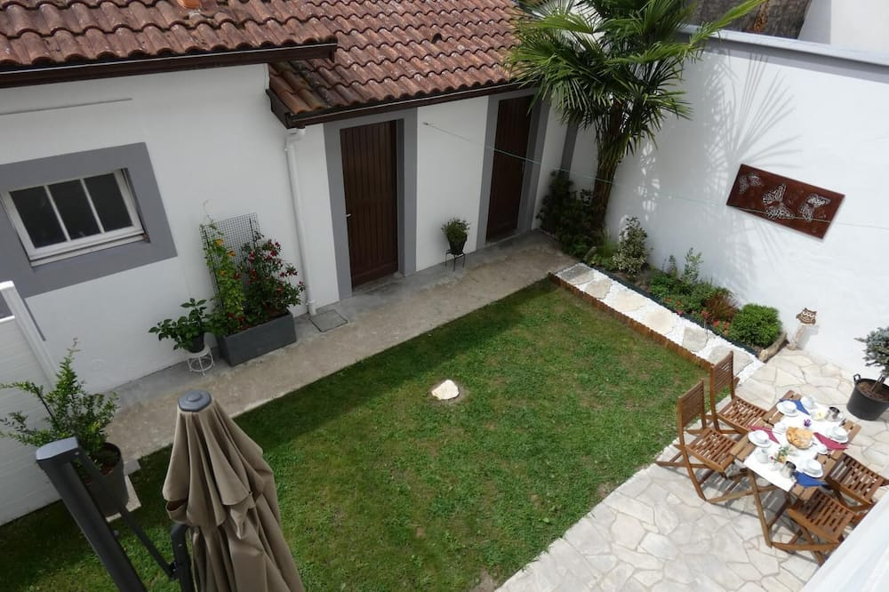 חדר זוגי (Occitane) - נוף לגן
