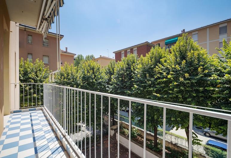 Sant'Orsola Colorful Huge Apartment, Bologna