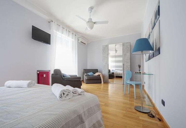 Sant'Orsola Colorful Huge Apartment, Bologna, Apartment, 2 Bedrooms, Room