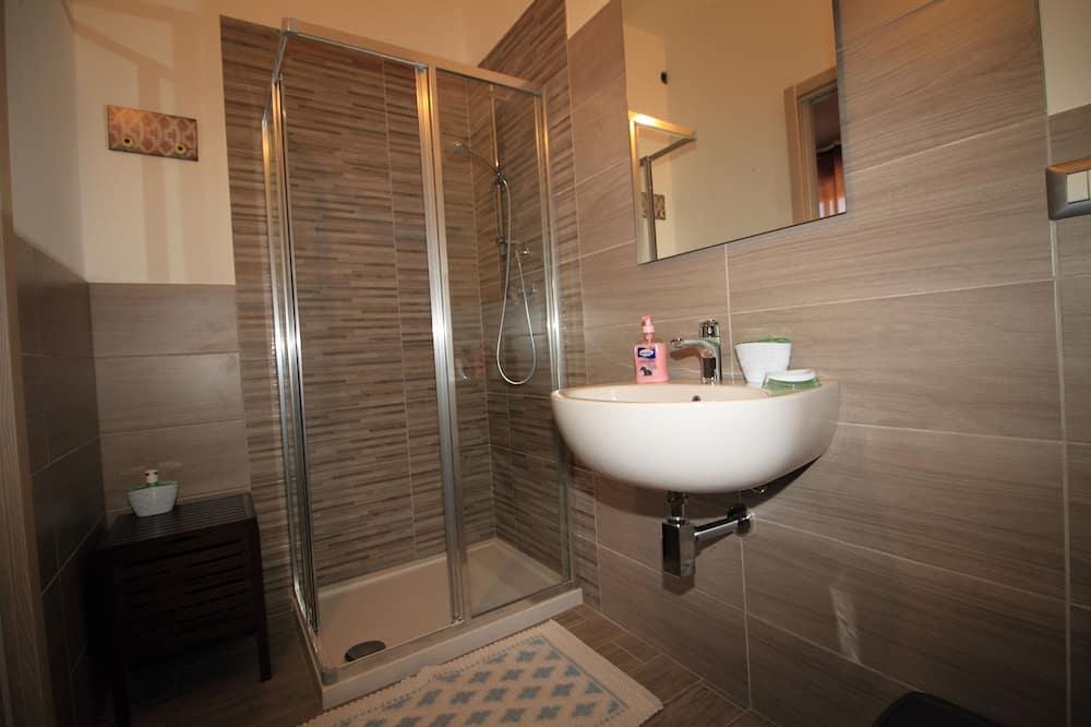 Standard Tek Büyük Yataklı Oda (Red) - Banyo