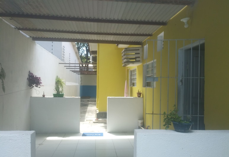 Prad Residence, Recife, Courtyard