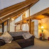 บ้านพัก, หลายเตียง, อ่างน้ำร้อน, วิวภูเขา - ห้องนั่งเล่น