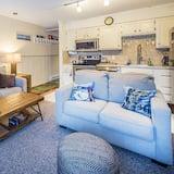 Soukromý byt, dvojlůžko (180 cm), kuchyně, výhled na hory - Obývací pokoj