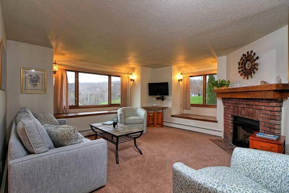 Korter, 1 ülilai voodi, privaatbasseiniga, vaade mägedele - Elutuba