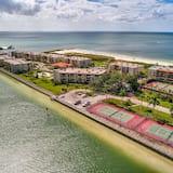 Condo, Multiple Beds (Land's End 405 building 11 TOP Floor/) - Beach