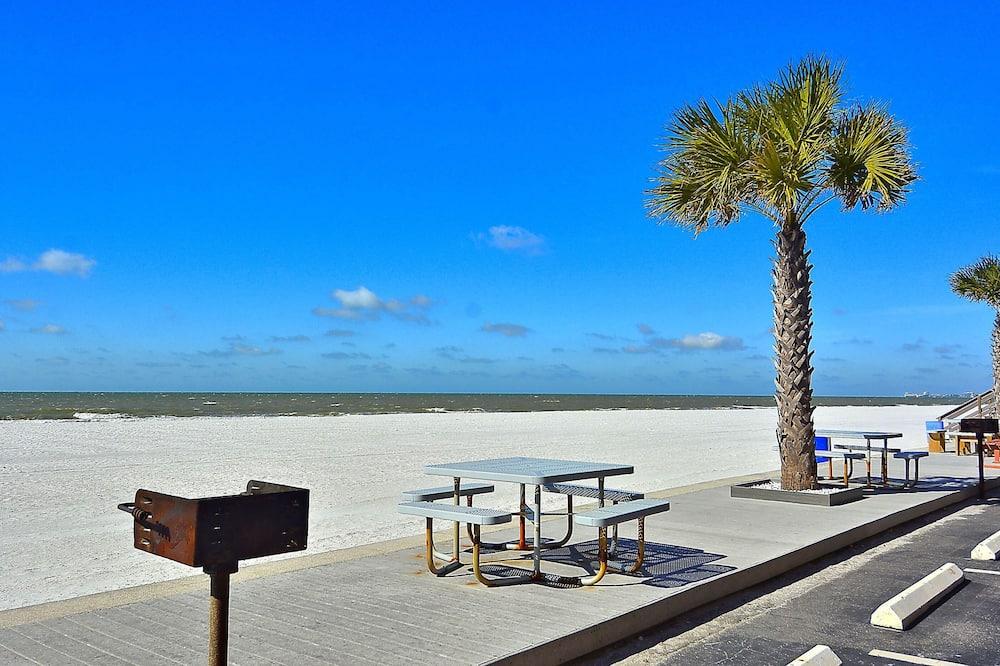 Apartman, Više kreveta (Sunset Chateau 412 Beachfront Condo /) - Plaža