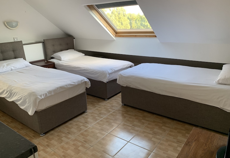 YALLY Hotel , Manchester, Standard Triple Room, 3 Single Beds, Guest Room