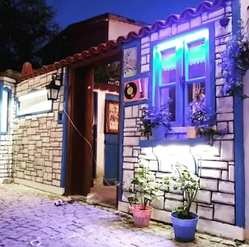 Picture of Sigacik Kaleici Pansiyon Nostalji Kafe in Seferihisar