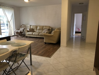 Picture of Great Located 3 Bedrooms in Warsaw