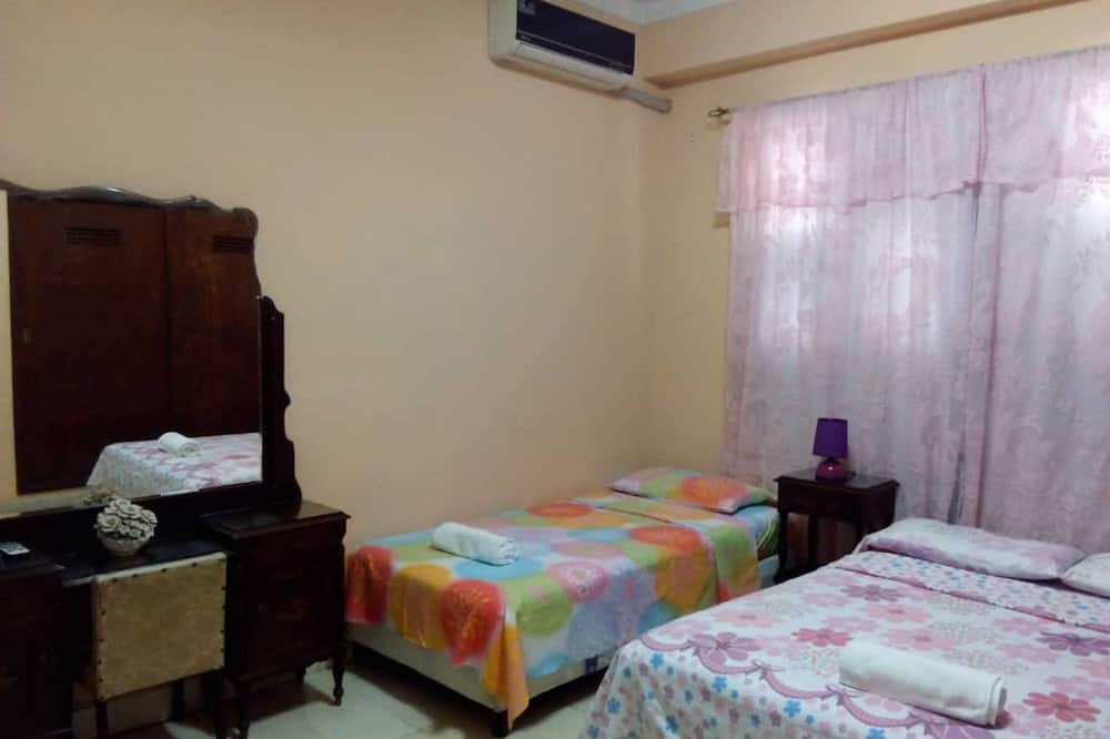 Double Room, 2 Single Beds - Guest Room