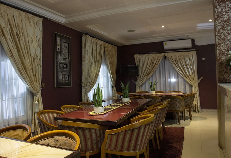His Majesty's Hotel and Apartments , Accra, Restaurant