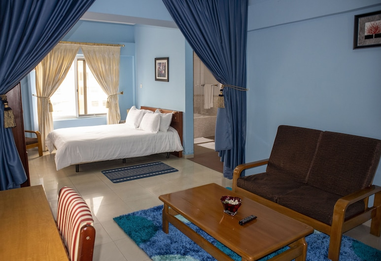 His Majesty's Hotel and Apartments, Accra, Apartment, Room
