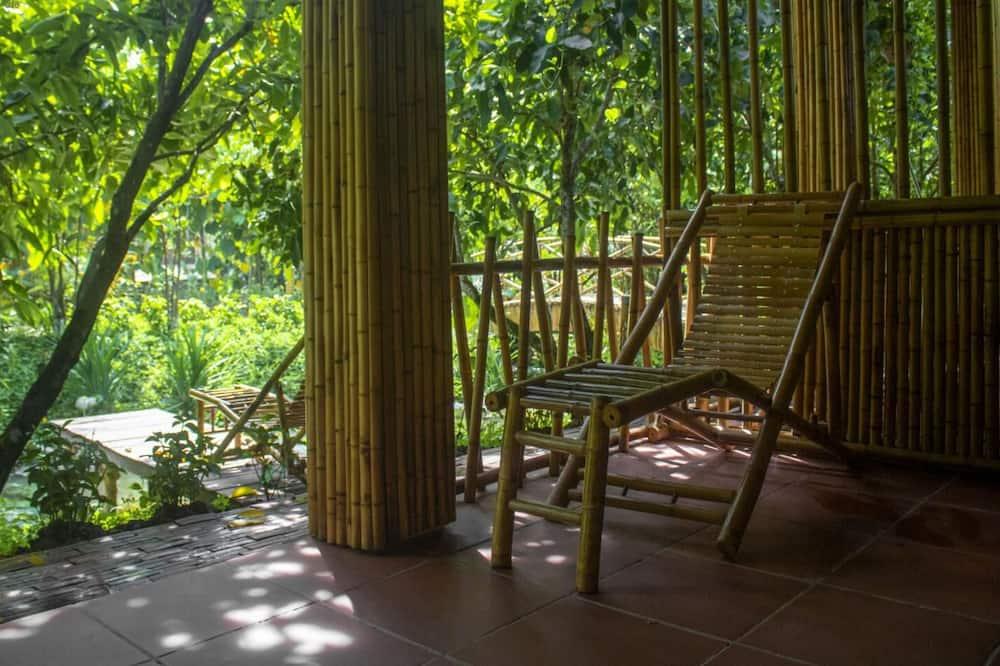 Deluxe dvokrevetna soba, pogled na vrt - Balkon