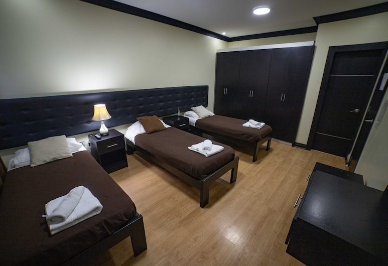 Reina Bilquis, Quito, Triple Room, 3 Twin Beds, Guest Room