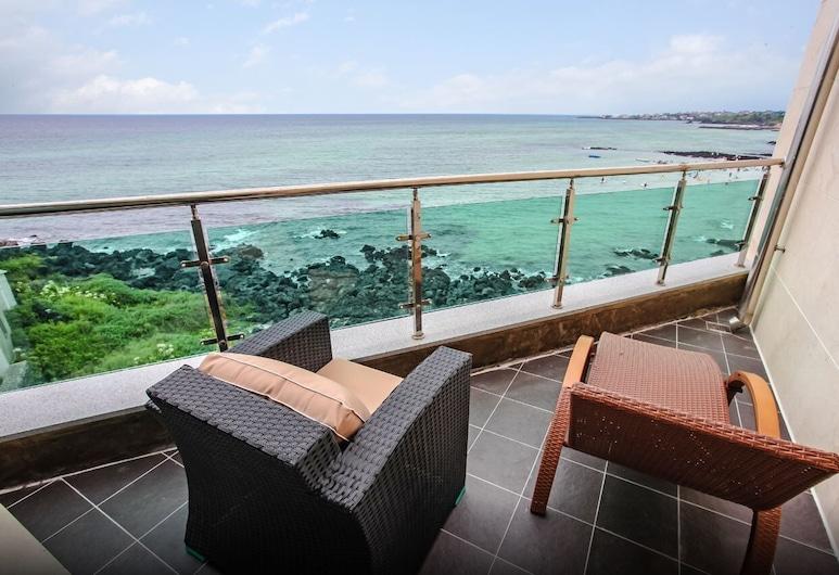 德拉瑪 2015 酒店, Jeju City, Sunset Pool Suite 301, 陽台