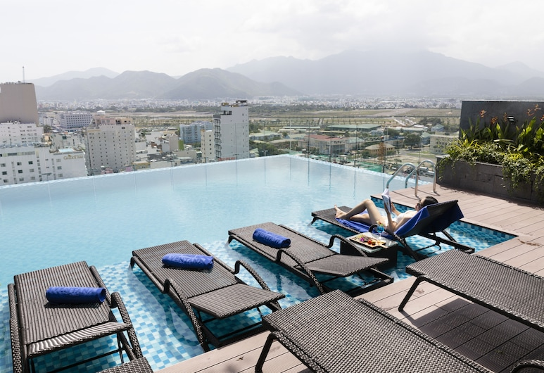 Ventana Nha Trang Hotel, Nha Trang, Pool