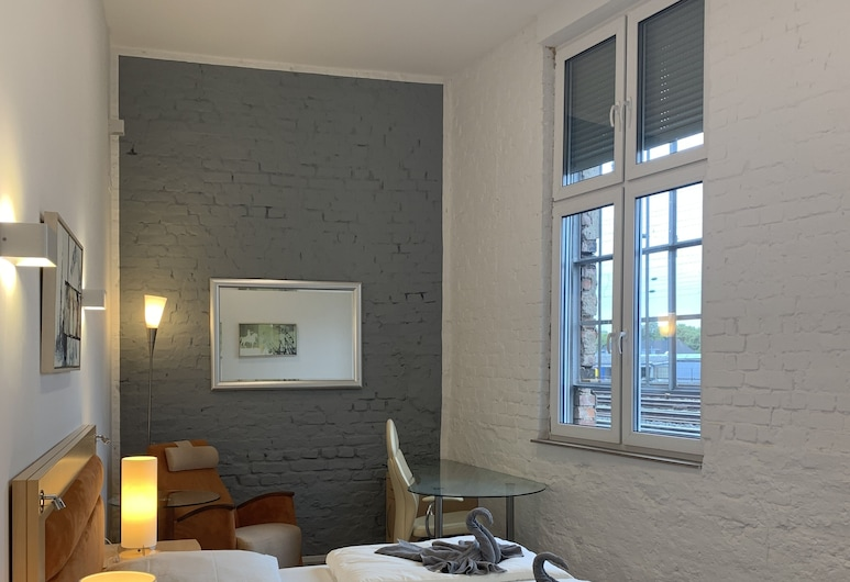 Lovely Rooms Next to the Trainstation WG, Düsseldorf, Δίκλινο Δωμάτιο (Double ή Twin) (3 - incl. Cleaning Fee 10 EUR), Δωμάτιο επισκεπτών