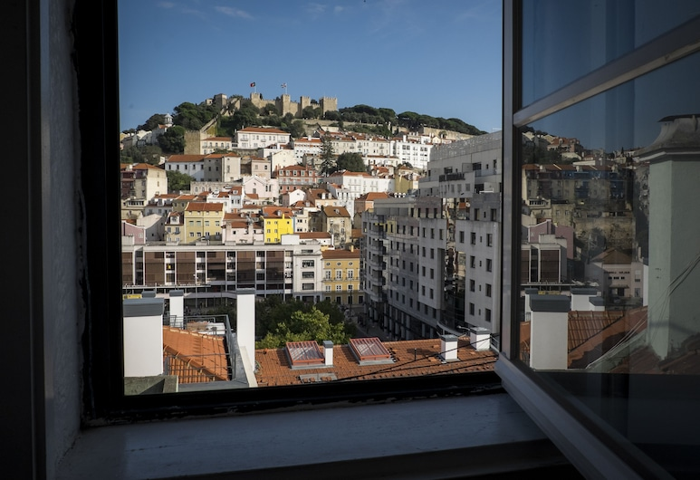 Castle View at Lisbon Heart + Free Pick-Up Apartment, By TimeCooler, Lisbon