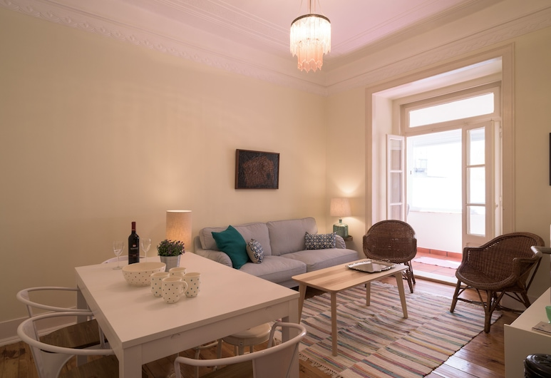 Renovated Spacious Baixa Apartment + Free Pickup, By TimeCooler, Lisbon, Apartment, 4 Bedrooms, Living Room