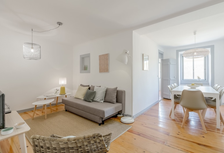 Alfama Spacious and Central + Free Pick-Up Apartment, By TimeCooler, Lisabon