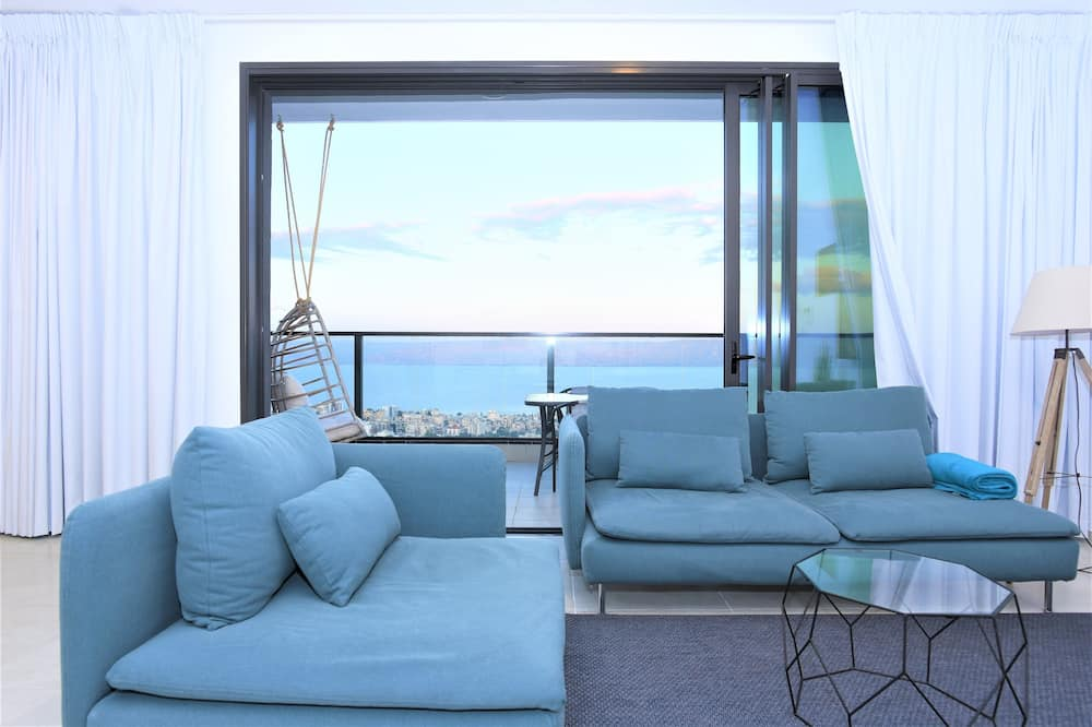 Dizajnerski apartman, 2 spavaće sobe, pogled na jezero - Dnevna soba