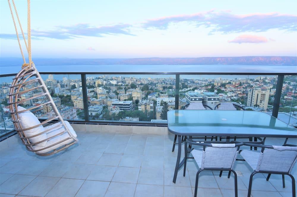 Dizajnerski apartman, 2 spavaće sobe, pogled na jezero - Balkon