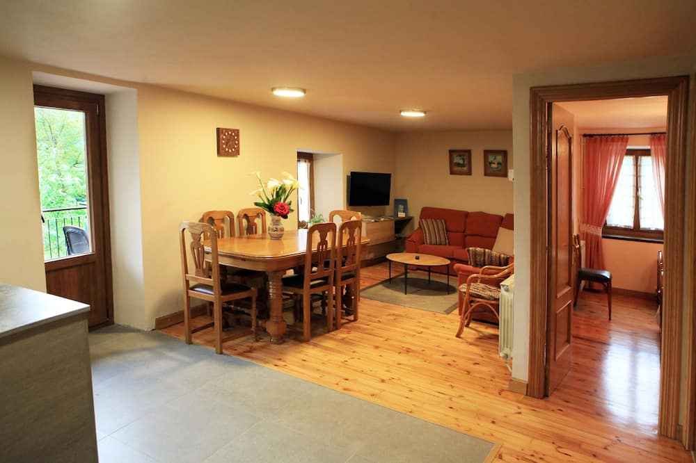 Māja, trīs guļamistabas - Numura ēdamzona