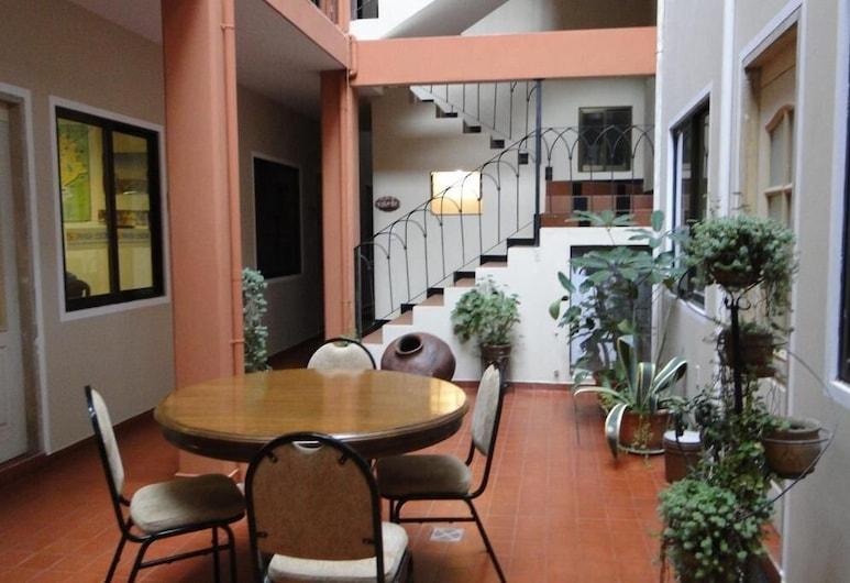 Cittadella Hostal, Sucre, Lobby