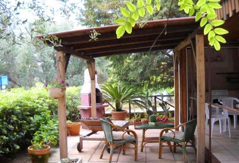 Bungalow With 2 Bedrooms in Marina di Camerota, With Enclosed Garden and Wifi - 60 m From the Beach, Camerota