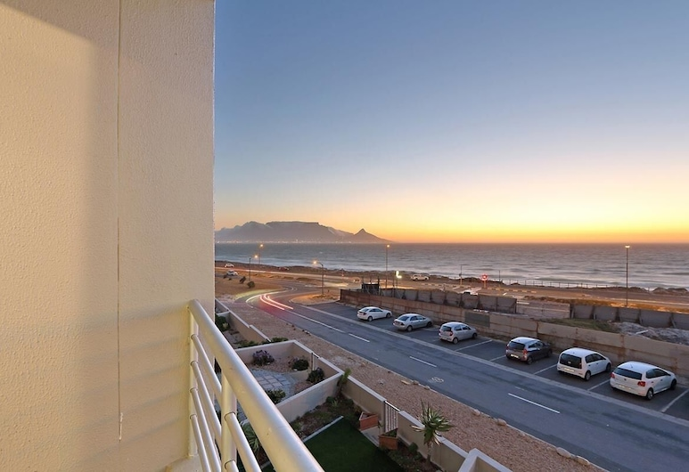 The Bays B202, Cape Town