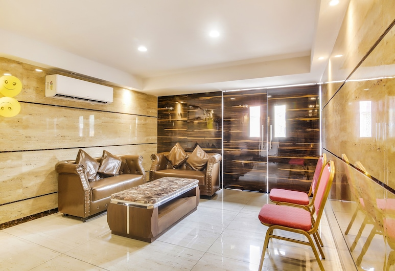 FabExpress Luxor, Kolkata, Lobby Sitting Area