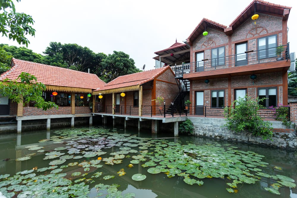 Superior Room - Lake View