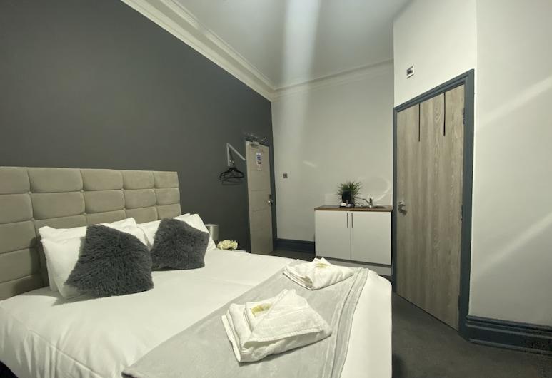 Park City Suites Hotel, Manchester, Double Room, Guest Room