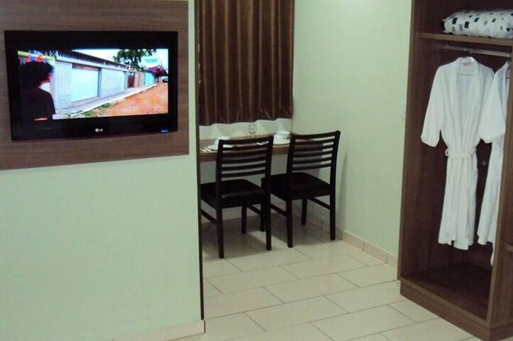Dreibettzimmer - Fernseher