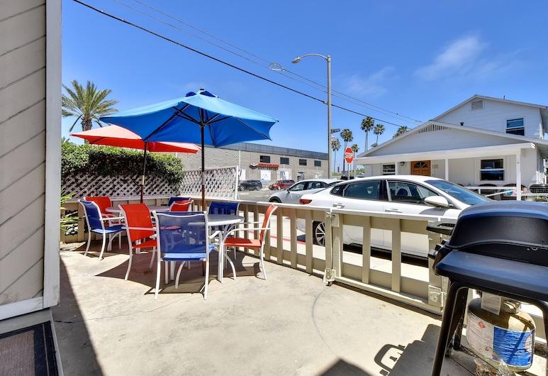 129 27th St Yipa 1 Bedroom Duplex, Newport Beach