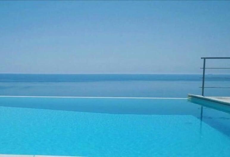 Villa di Clelia, Palma di Montechiaro, Infinity Pool