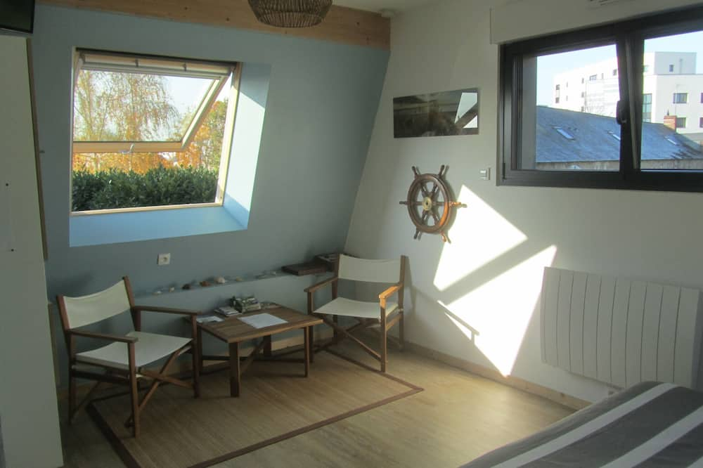 Comfort Double or Twin Room (Bateau) - Living Area