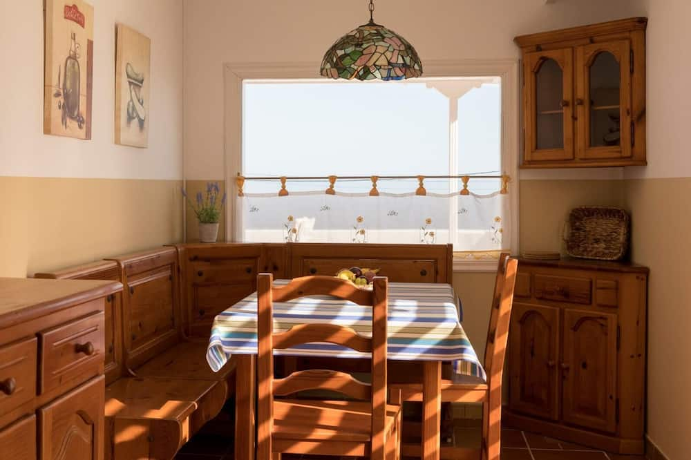 House, 3 Bedrooms, Private Pool, Sea View - In-Room Dining