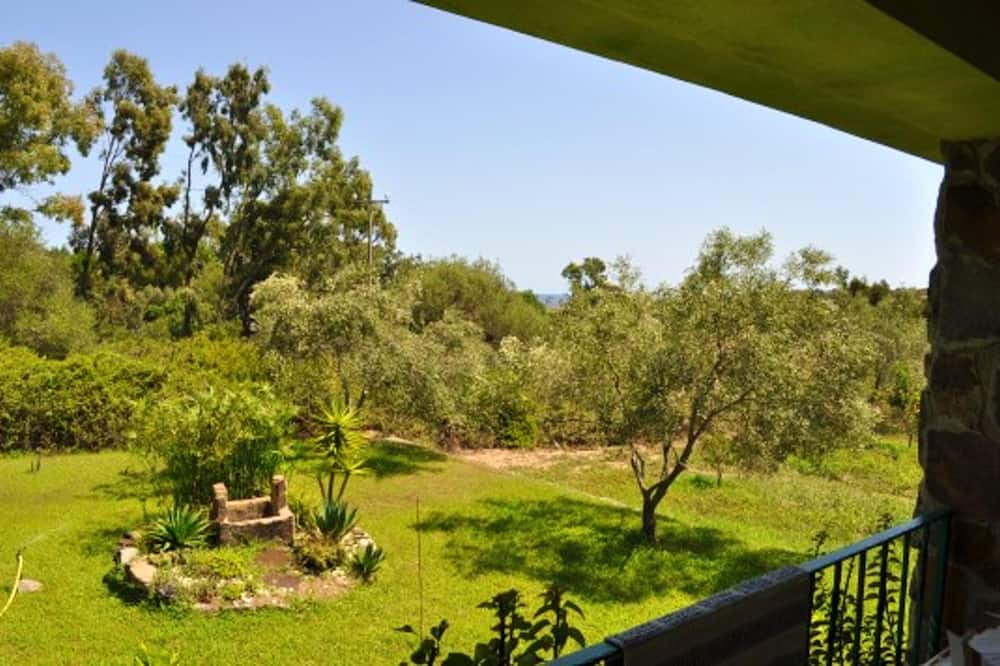 Apartment With 3 Bedrooms in Cea Barisardo, With Enclosed Garden - 300 m From the Beach