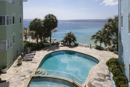 藍灣海灘公寓飯店/