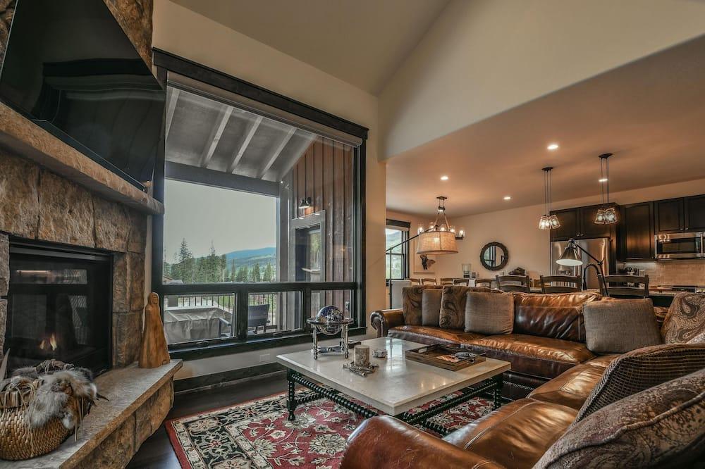 Розкішний будиночок, багатомісний номер, ванна з гідромасажем (Alders 714 Independence Rd) - Вітальня