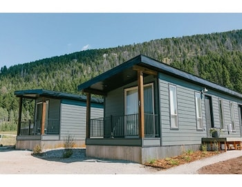 Picture of Terra Nova Cabins in West Yellowstone