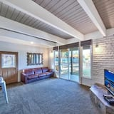コンドミニアム ベッド (複数台) (MV26: Waterfront Tahoe Keys Condo lon) - リビング ルーム