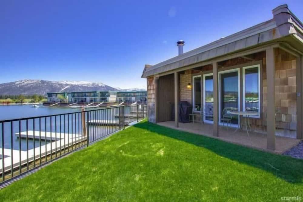 コンドミニアム ベッド (複数台) (MV26: Waterfront Tahoe Keys Condo lon) - 施設の敷地