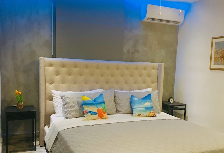 Tapia Haus 103, San Juan, Exclusive Room, Guest Room