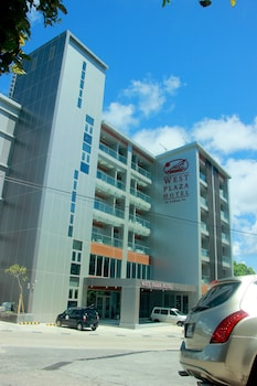 Picture of West Plaza Hotel at Lebuu Street in Koror