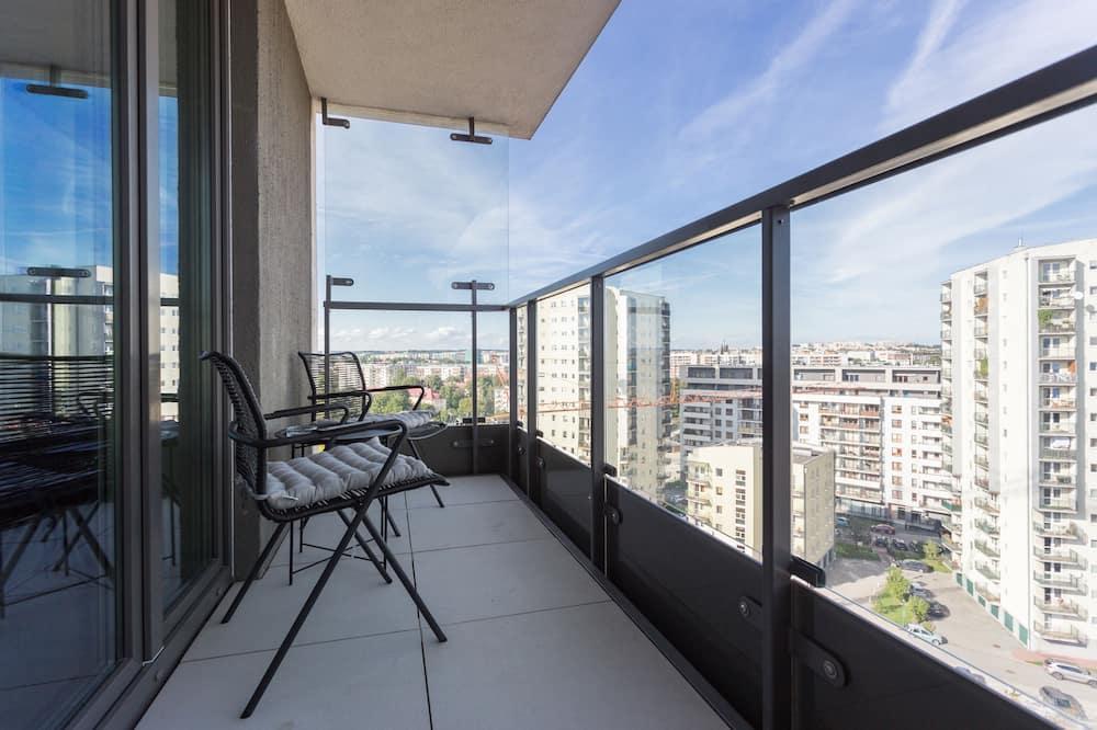 Classic Apartment - Balcony