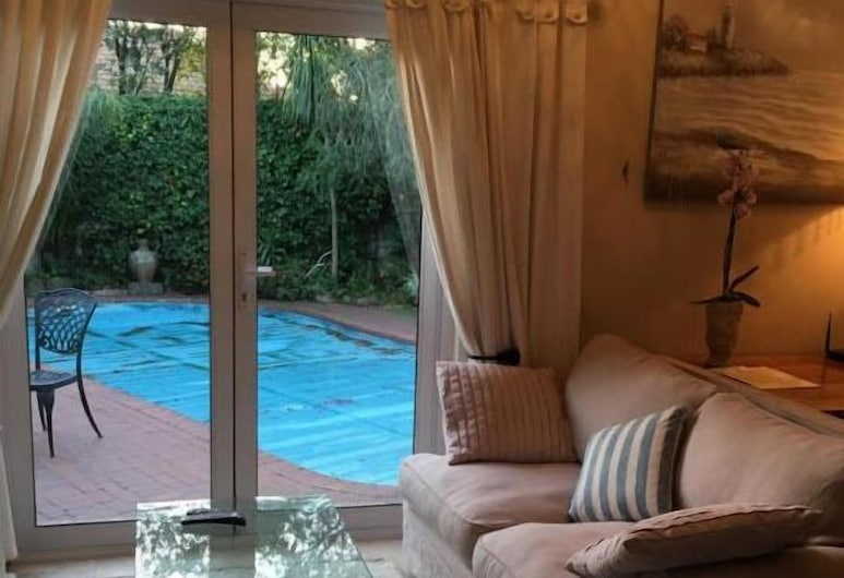 Invergara Lodge - Adults Only, Cape Town, Cottage, Living Area